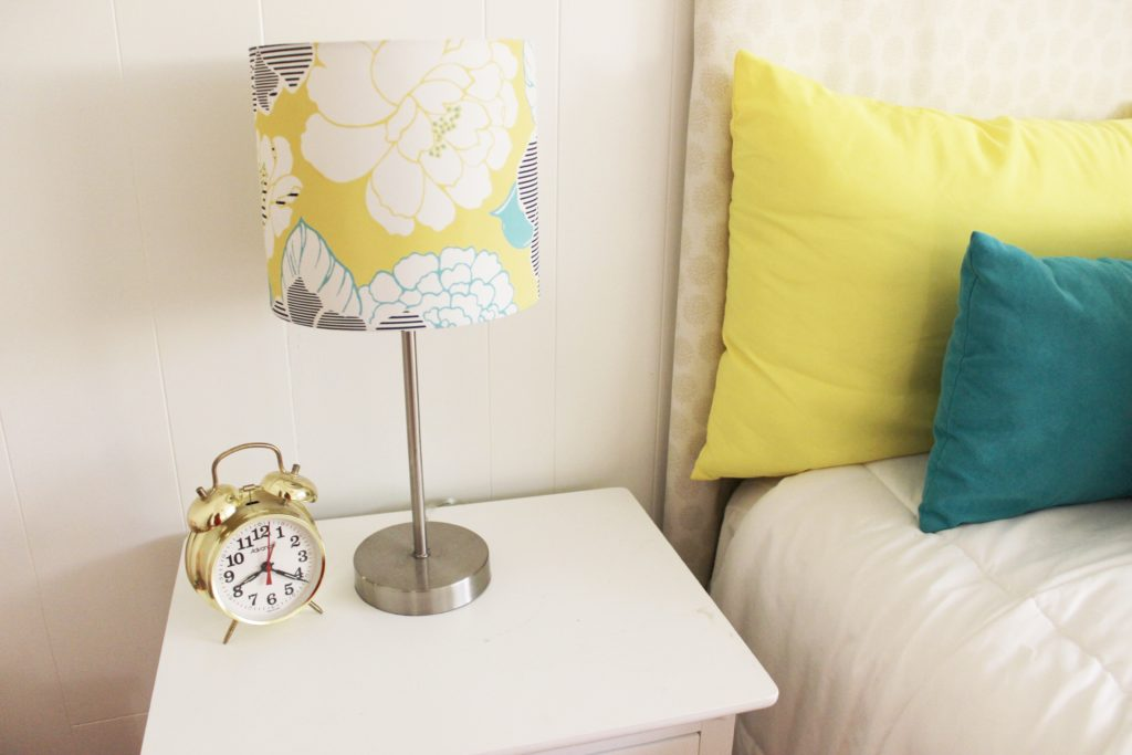How to decorate your home with thrift store finds dina 39 s for Stores to decorate your home